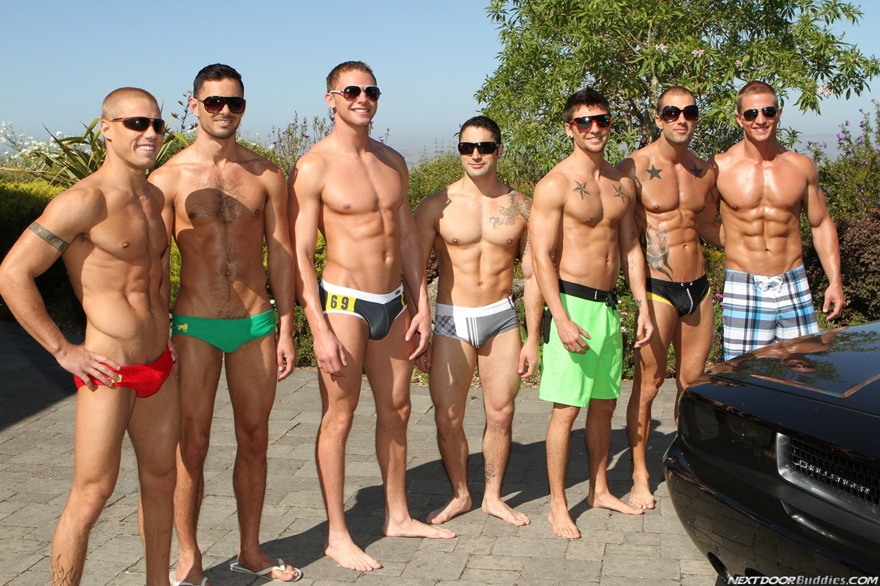 Marcus-Mojo-Brody-Wilder-Johnny-Torque-Rod-Daily-Donny-Wright-washing-a-car-in-Suds-Studs-Next-Door-Studios-1