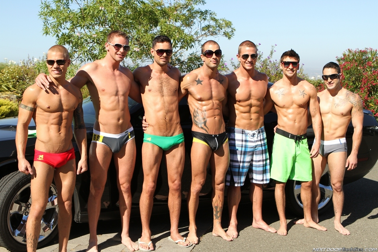 Marcus-Mojo-Brody-Wilder-Johnny-Torque-Rod-Daily-Donny-Wright-washing-a-car-in-Suds-Studs-Next-Door-Studios-2
