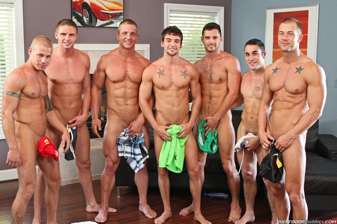 Marcus-Mojo-Brody-Wilder-Johnny-Torque-Rod-Daily-Donny-Wright-washing-a-car-in-Suds-Studs-Next-Door-Studios-75